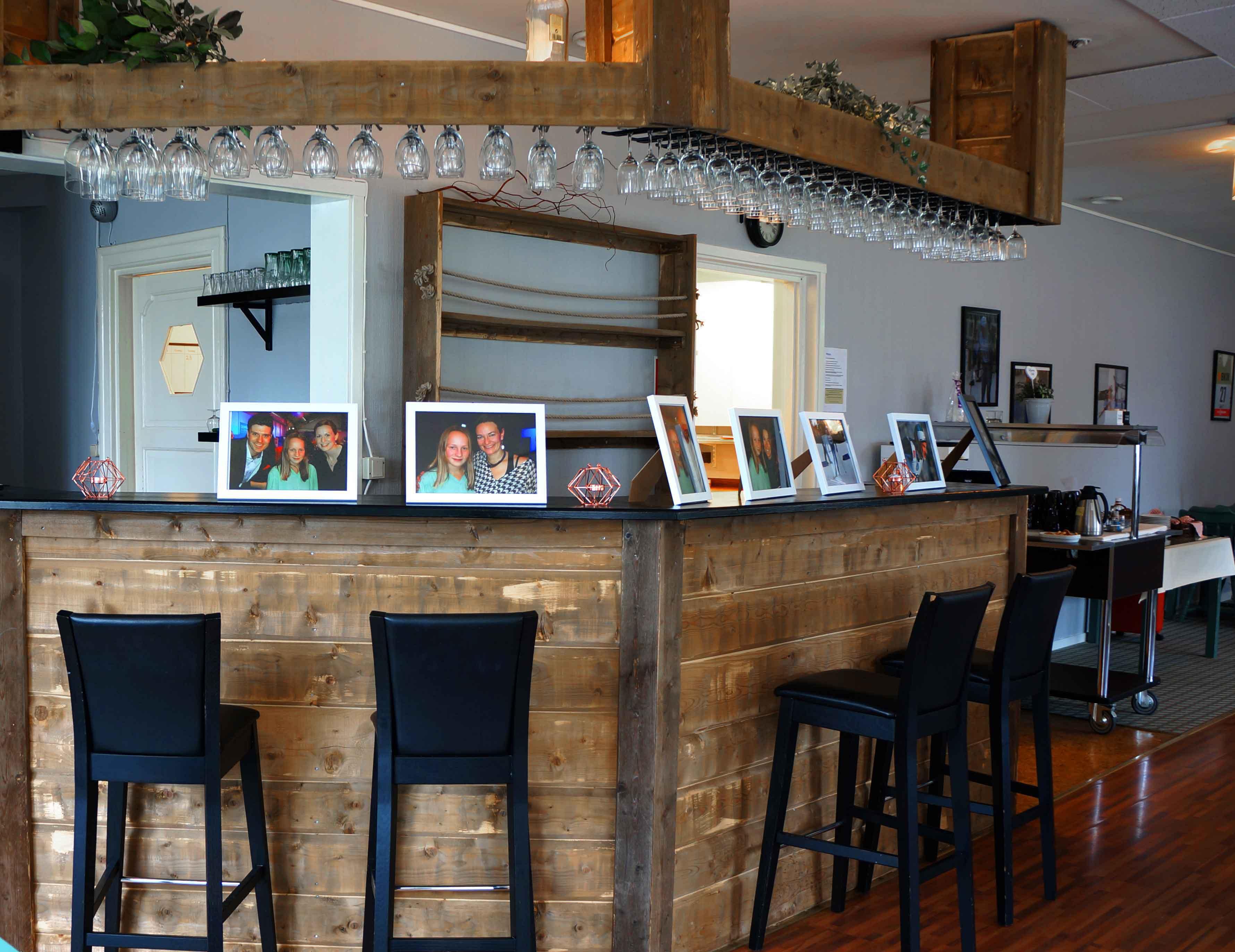Ta en afterwork i vår mysiga bar